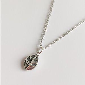 925 Sterling Silver Leaf Pendant Necklace